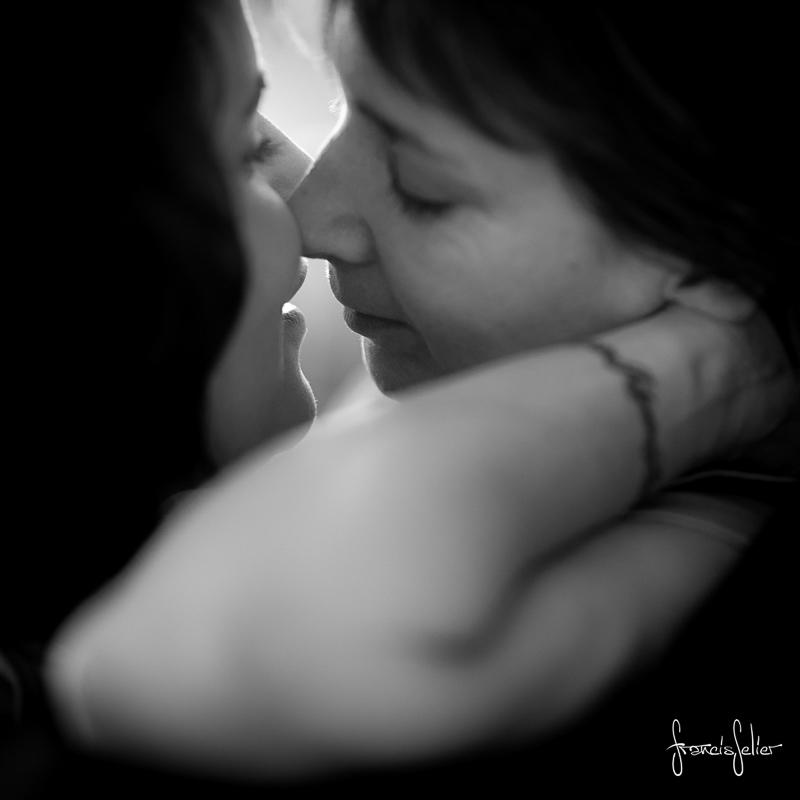 Francis Selier photographe portrait de couple de femmes noir et blanc Poitou-Charentes (2 sur 6)