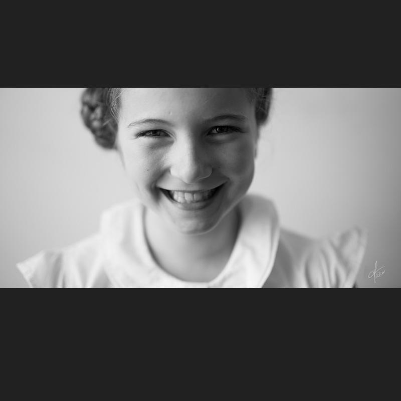 portrait fille noir blanc