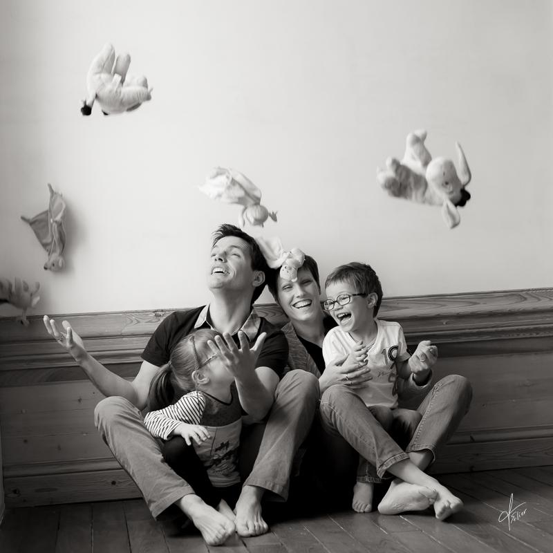 portrait noir blanc photo de famille photos couple grossesse. Black Bedroom Furniture Sets. Home Design Ideas