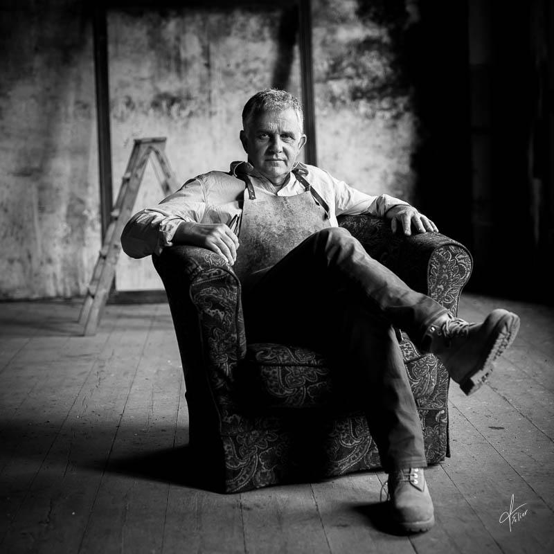 photographe portrait d'entreprise en noir et blanc artisan d'art